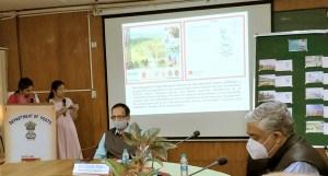 Mr Rajendra Kumar, Chief Postmaster General, Telangana Circle, releasing the picture postcard on ICRISAT. Photo: Joanna K-P, ICRISAT