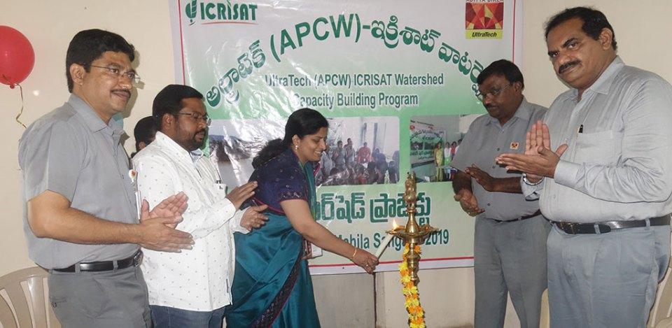 (L–R) Mr Ch Anjan Prakash, HoD, CSR, UTCL; Dr Rajesh Nune, Hydrologist, ICRISAT Development Center; Ms Vani Anamdas, Sr Manager, Housing and Food Services, ICRISAT; Mr Keshav Nooguri, Unit Head, APCW and Mr MSRK Prasad, Senior Vice-President, HR, APCW, at a training session on millet-based baking products at UltraTech Cements, Tadipatri, Anantapur district, Andhra Pradesh, India.