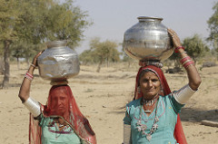 """Lack of water is an issue that blights their daily life. The region faces a water scarcity 9 to 11 months a year and frequent droughts. """"Hum sab pani ke dukhi hain (water is a major problem for all of us),"""" says Manibai. Photo: Prashant Panjiar/ ICRISAT"""