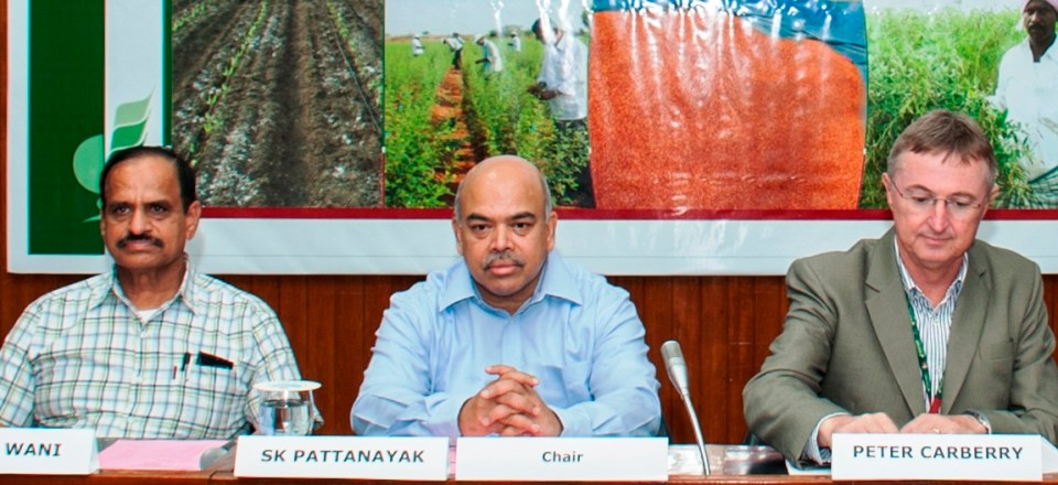 (L-R) Dr SP Wani, Mr Pattanayak and Dr Peter Carberry (ICRISAT Deputy Director General for Research) at the meeting.