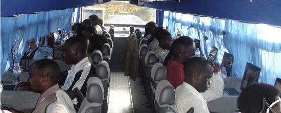 rwanda-internet-bus.jpg