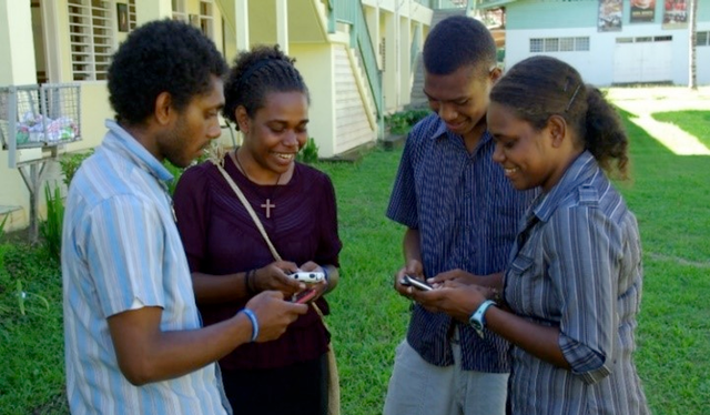PNG mobile phone gender divide