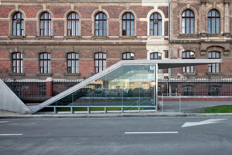 id - Stations (10)