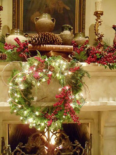 Decorare il camino per Natale 20 idee a cui ispirarsi