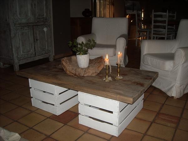 Un tavolino con materiali riciclati Ecco 20 idee creative