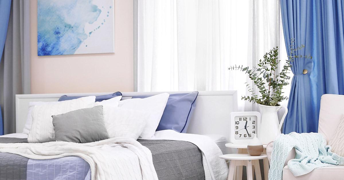 Le tende da interno sono quelle che soprono le finestre del soggiorno o cucina oppure delle camere da letto. Tende Camera Da Letto 15 Idee Per Un Stanza Stilosa Lasciatevi Ispirare