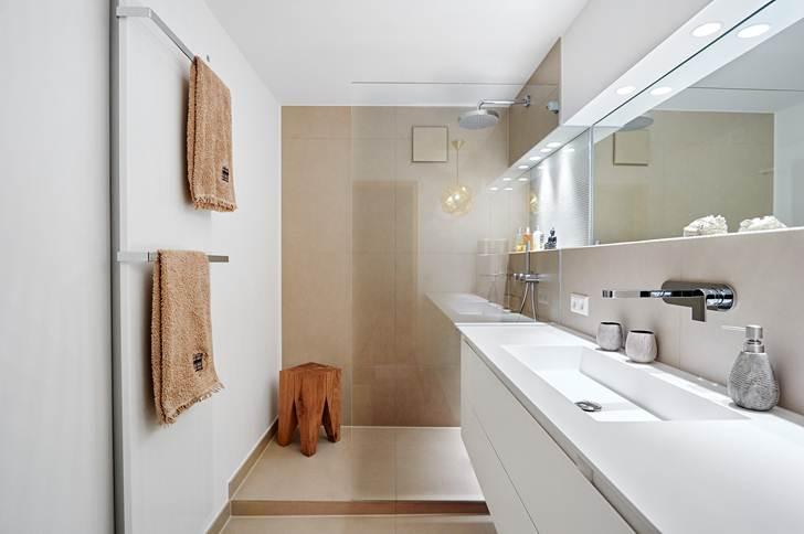 Come arredare un bagno lungo e stretto  Ideagroup Blog