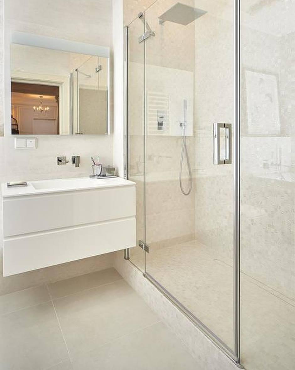 Un bagno bianco quando il non colore fa la differenza