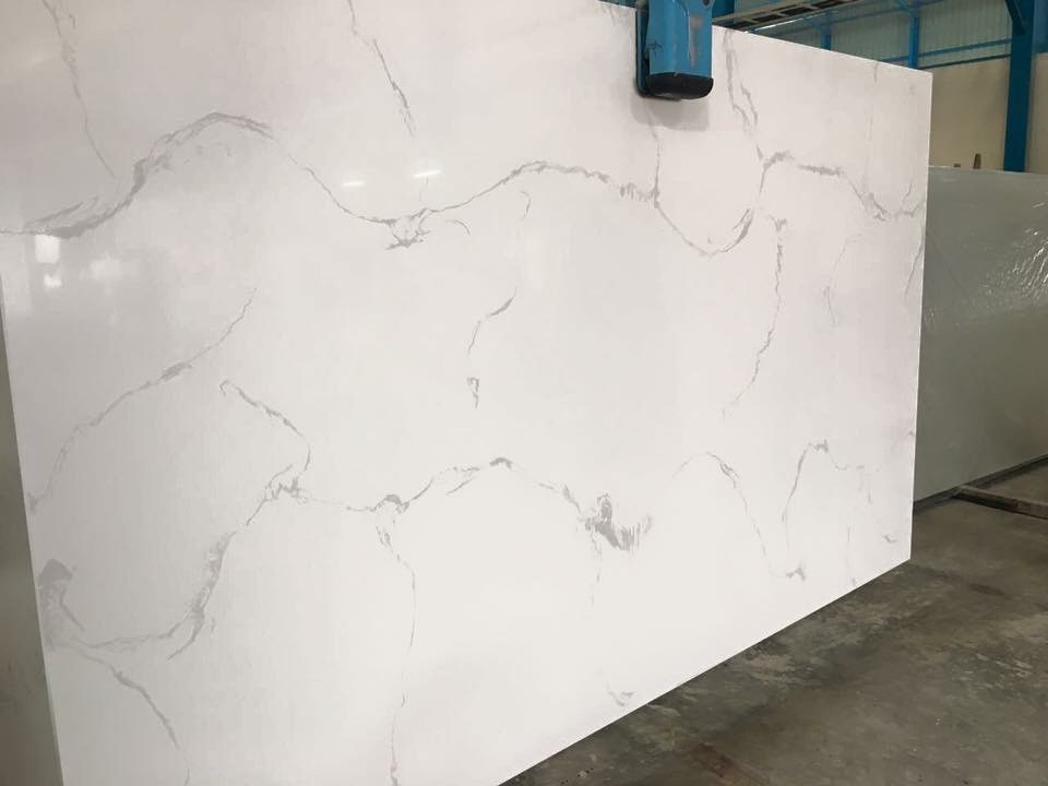Countertops  CALACATTA WHITE QUARTZ 3CM Group 5