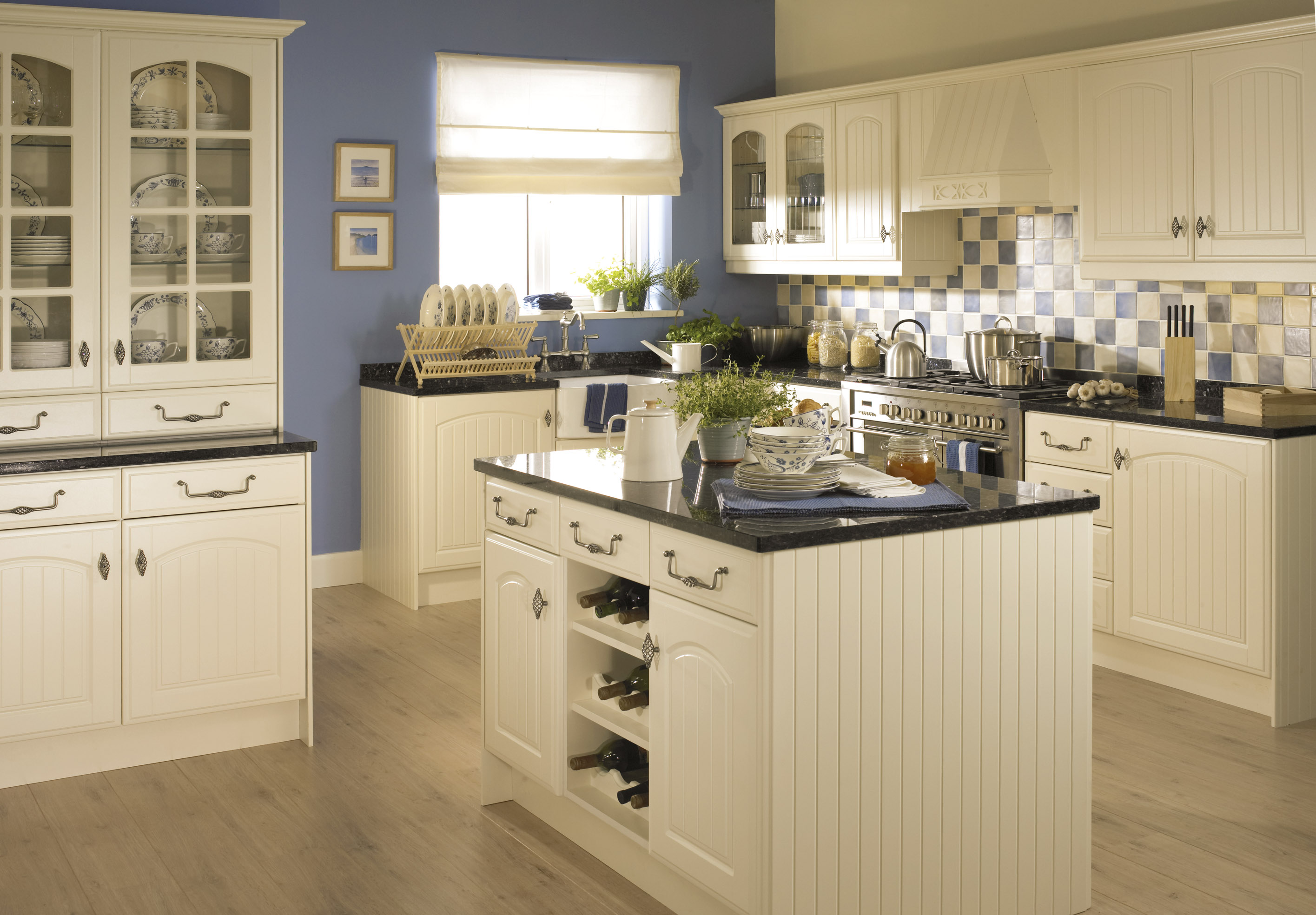Cream Kitchen Ideas with Wooden Flooring and Countertop
