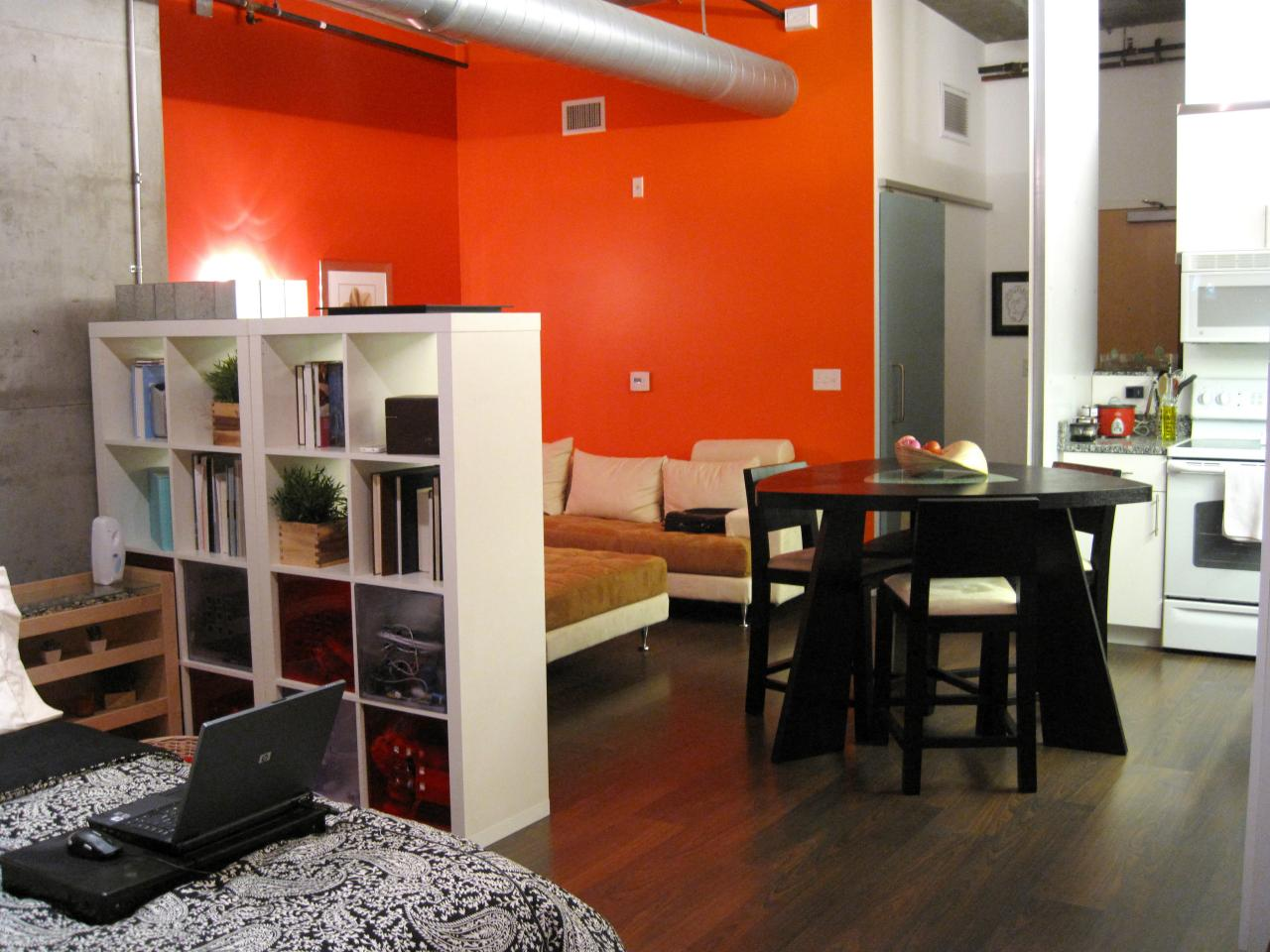 Creative Small Studio Apartment Ideas with SpaceSaving Partitions  Ideas 4 Homes