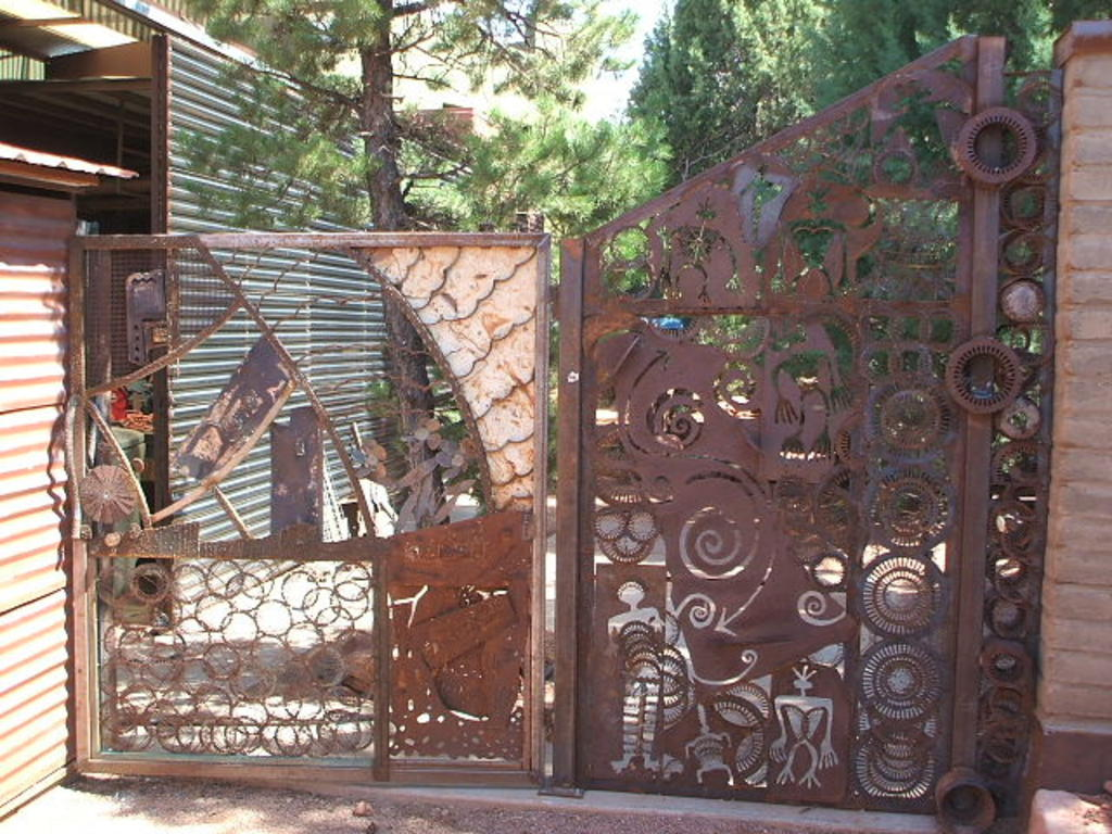 Your Guide to Metal Fence Panels for Privacy and Safety
