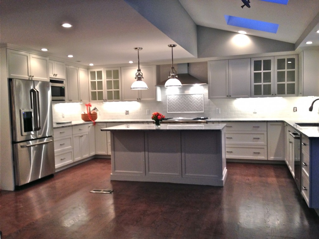 Luxurious Lowes Kitchen Design for Home Interior Makeover