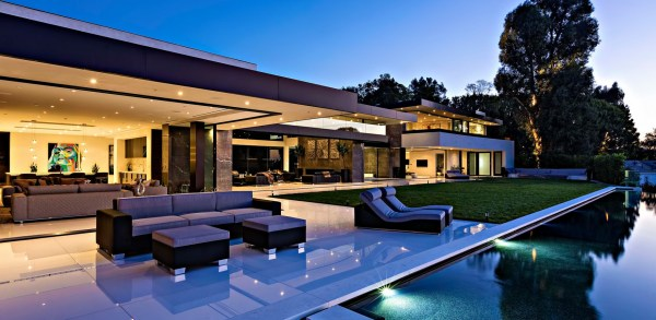 Timeless Contemporary Luxury Homes with Glamorous Interior ...