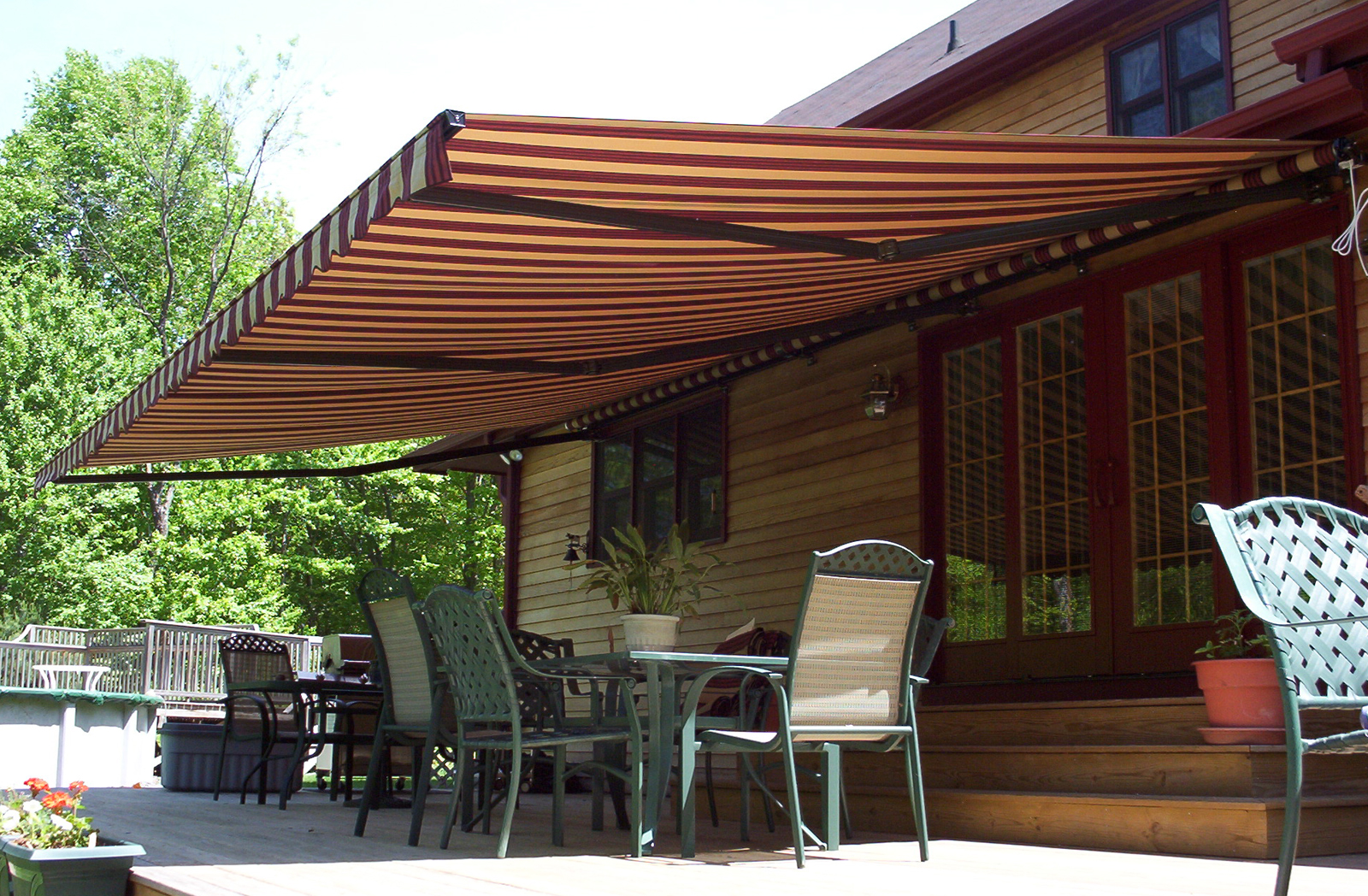 A Quick Guide On Basic Parts Of A Retractable Awning