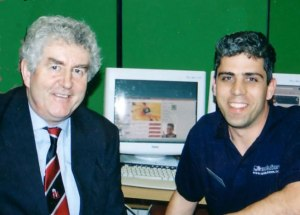 Paul Levy meeting Wales First Minister Rhodri Morgan chatting about Web Design.