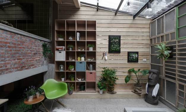 Low Cost Outdoor Indoor Living Area Inspiration from Taiwan
