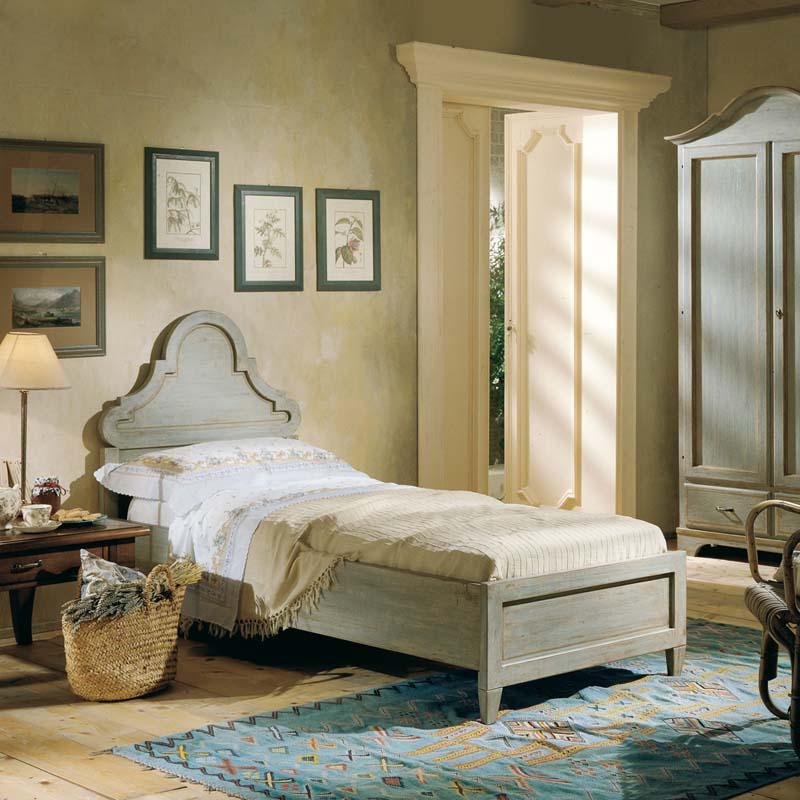 Scandola mobili propone un modello di letto che ben si adatta alle camere stile. Letto Una Piazza Country