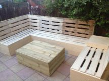 Unique And Awesome Pallet Garden Furniture Ideas With