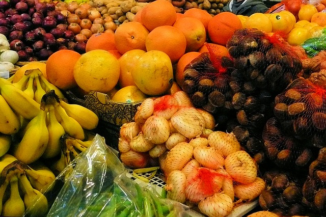 fruits supermarket waste to be donated
