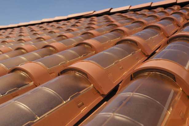 Le tegole fotovoltaiche salvano il paesaggio  Idee Green