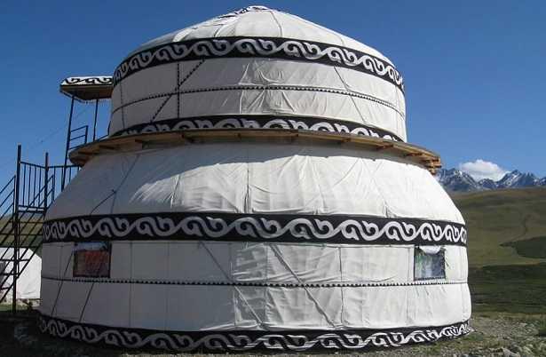 Una Casa Yurta