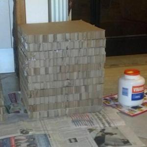 come fare un pouf di cartone