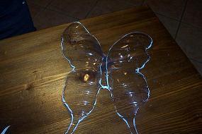 farfalla di plastica riciclata