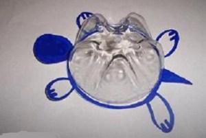 tartaruga di plastica riciclata