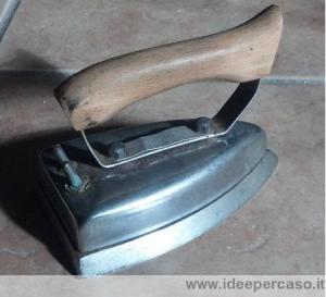 vecchio ferro da stiro