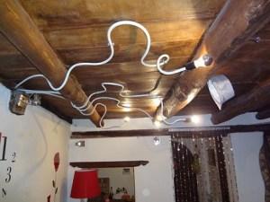lampadario realizzato on tubi riscaldamento