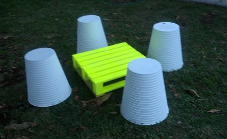 Sgabello Con Pallet : Fare un tavolo da giardino con un pallet di legno ideepercaso