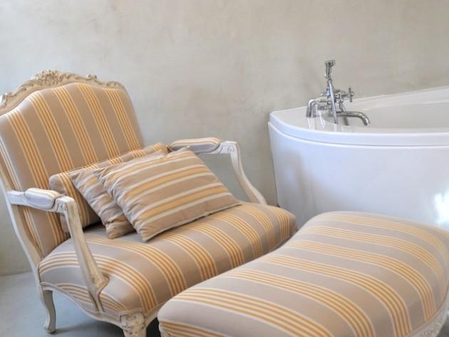 salle de bains classique ocre photo ideesmaison com