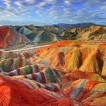 Il Parco Geologico Nazionale Zhangye Danxia e le meravigliose montagne colorate in Cina
