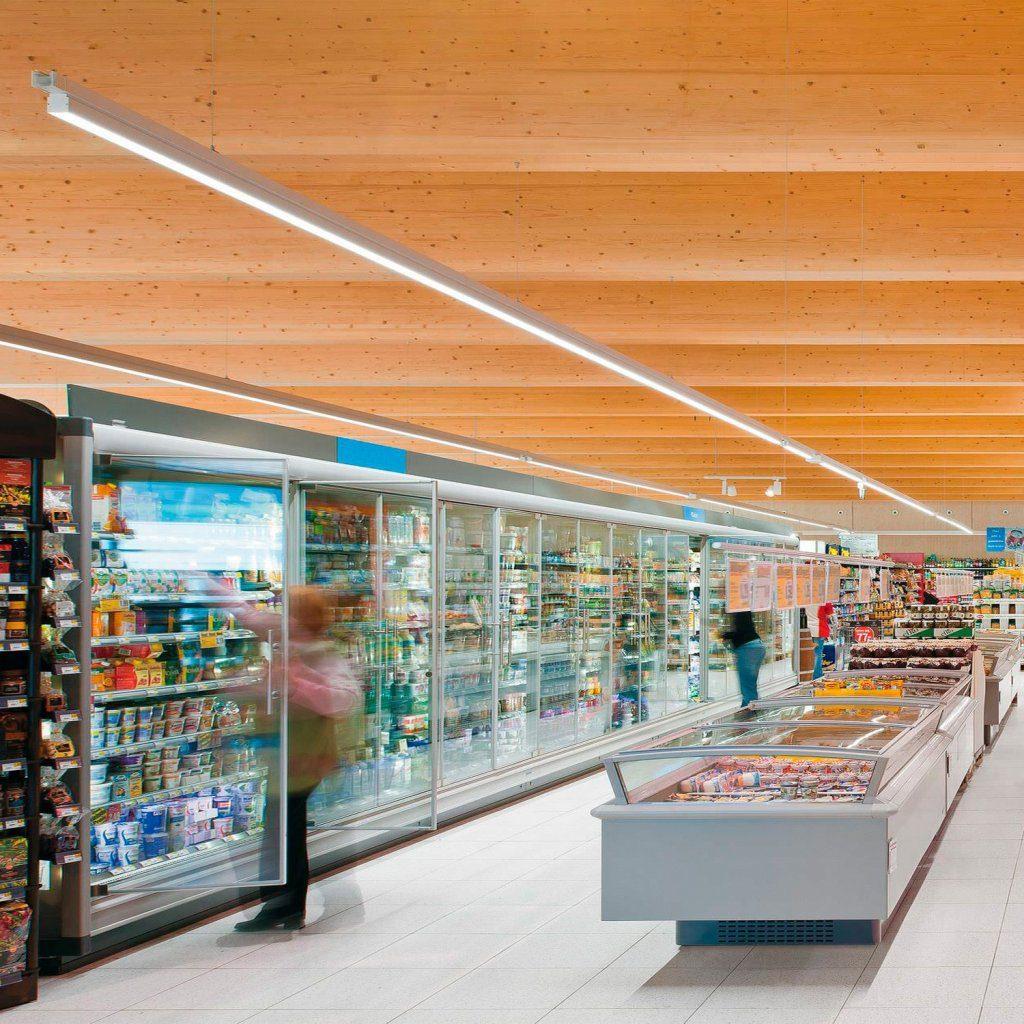éclairage par BARRE LINEAIRE lumineuse LED dans un supermarché