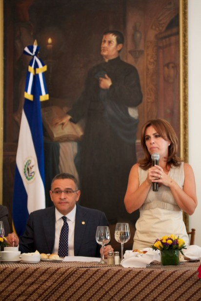 El Presidente and his wife (Scene Three)