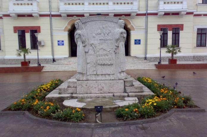 mausoleu-ecaterina-teodoroiu-fara-cruce