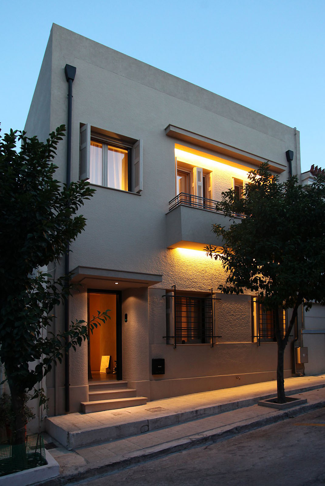 Elegant Renovated Home With Acropolis View Idesignarch