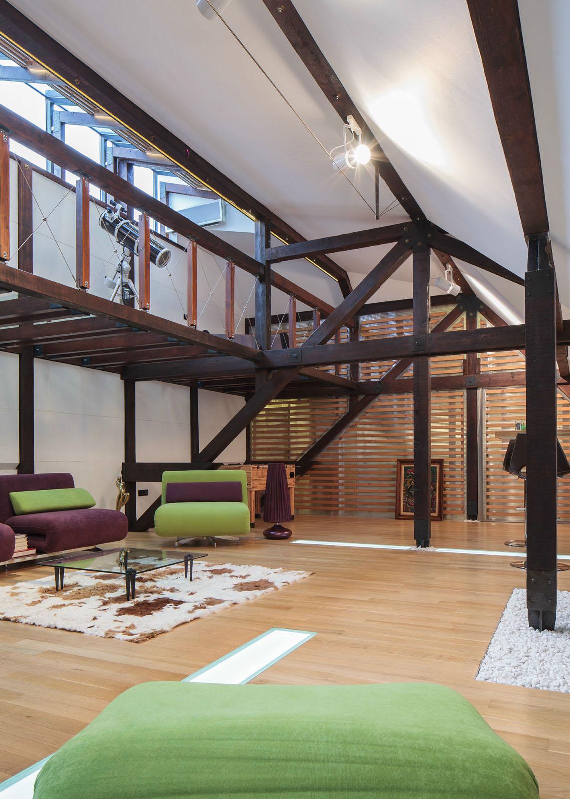 Wood Structure Defines Contemporary Renovated Attic Loft