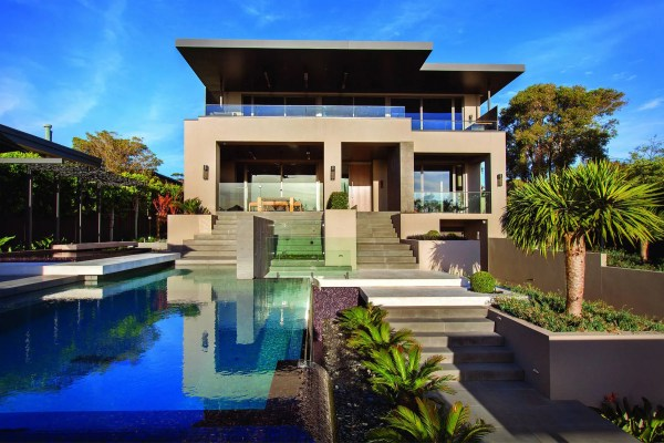Contemporary Home In Melbourne With Resort Style Modern