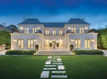 Palatial Luxury Mansion In Melbourne With Classical French ...