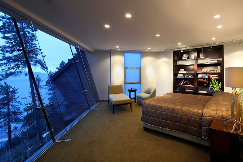 Breathtaking Lake View Cliff House In Lake Tahoe