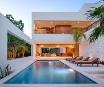 Modern House with Swimming Pool Design
