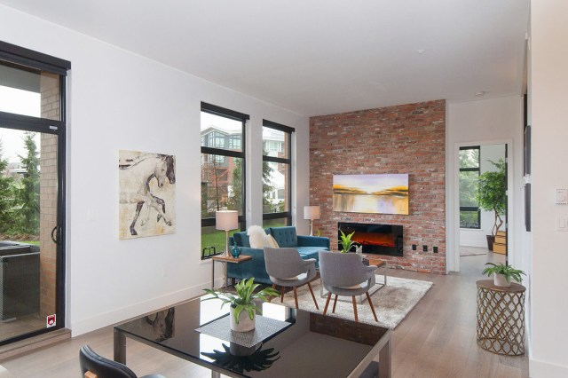 Exquisite 3-Bedroom Waterfront Loft Apartment with Private ...