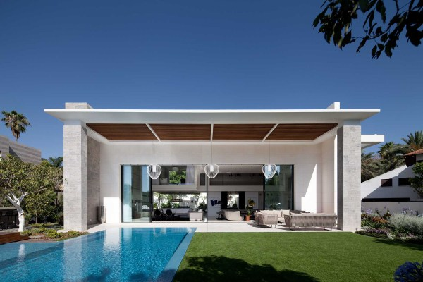 Modern Cube House In Israel Offers Ultimate Refined