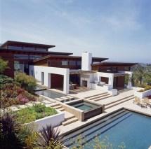 Timeless Architectural Estate In Rancho Santa Fe