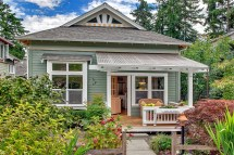 Craftsman Designed Small Cottage With Cozy Courtyard