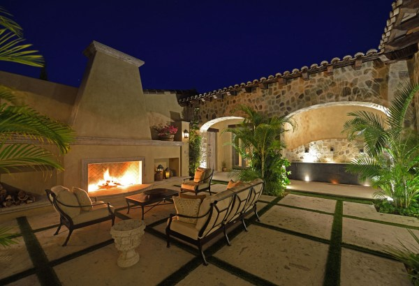 Mediterranean Style Homes with Courtyard