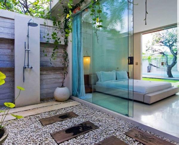 Modern-romantic-balinese-outdoor-showers-chandra-villa-bali 1