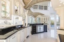 Luxury Mansions Interior Kitchens